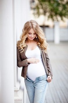 Digital Photography Tips Fall Maternity, Maternity Session, Maternity Pictures, Maternity Photography, Pregnancy Images, Photoshoot Inspiration, Female Portrait, Fashion Lookbook, Consignment Online