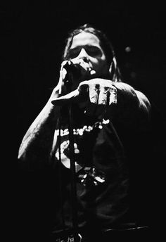 Phil Anselmo, Amazing! Music Pictures, Cool Pictures, Metal Bands, Rock Bands, Walk Logo, Pantera Band, Best Guitar Players, Dimebag Darrell, Jazz Musicians