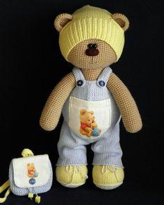 """В рубрике """"Мастер дня""""  @yanina_olga_handmade и очаровательный мишка Ссылка на её профиль будет красоваться в описании профиля.   #мишка #авторскаяработа #игрушка #сделаносдушой #игрушкадлядетей #ручнаяработа #подарок #сюрприз #hendmade #amigurumi #weamiguru #best_handmade_world  #Regrann by best_handmade_world"""