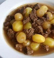 Nilagang Baka is a Filipino soup where beef is simmered with onions and whole peppercorns for at least two hours and then potatoes and cabbage are added. Cabbage And Potatoes, Cabbage Soup, Nilagang Baka Recipe, Filipino Soup Recipes, Filipino Food, Potato Recipes, Meat Recipes, Pinoy Food, Healthy Juices