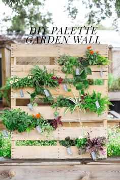 DIY Pallet Vertical Garden #diy
