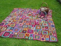 so cute! id make it a play room rug haha  Granny square afghan