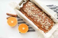Dit is en lekkere winterse lekkernij: een bananenbrood met kastanjemeel, sinaasappel & speculaas. Een heerlijke cake zonder suiker!