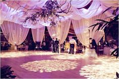 Using a certain colour draping is ideal if you want to convey a specific theme. White will portray the winter wonderland theme excellently.