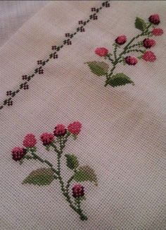 This post was discovered by Ar Simple Cross Stitch, Cross Stitch Borders, Cross Stitch Flowers, Cross Stitch Designs, Cross Stitching, Cross Stitch Patterns, Floral Embroidery Patterns, Wool Embroidery, Cross Stitch Embroidery