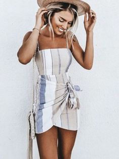 32 Cute Summer Outfits Ideas for Exciting Summer - Fashion Moda 2019 Boho Summer Dresses, Cute Summer Outfits, Boho Dress, Dress Summer, Dress Casual, Boho Fashion Summer, Spring Dresses, Spring Summer, Summer Street