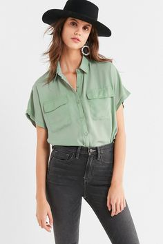 UO Short Sleeve Pocket Button-Down Shirt | Urban Outfitters
