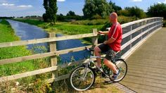 Summer cycling tours are an ideal way to discover southern England's beautiful nature, cultured cities and quaint villages.