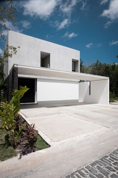 House-in-Cancun-Mexico-by-Warm-Architects