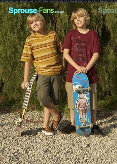 Sprouse Bros, Dylan Sprouse, Boys Summer Outfits, Summer Boy, Zack Et Cody, Suit Life On Deck, Shoes Without Socks, Dylan And Cole, Dylan Thomas