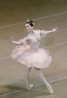 "Olesya Novikova (Princess Aurora) with Mariinsky Ballet in ""The Sleeping Beauty"" Tutu Ballet, Ballerina Tutu, Ballet Dancers, Ballerina Outfits, Angelina Ballerina, Shall We Dance, Just Dance, Ballet Costumes, Dance Costumes"