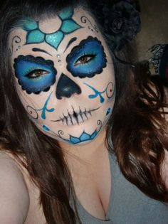 i was GOING to be a pirate for halloween. think i just changed my mind! My first sugar skull Candy Skull Makeup, Halloween Makeup Sugar Skull, Sugar Skull Costume, Candy Skulls, Sugar Skull Art, Halloween Skeletons, Halloween Make Up, Sugar Skulls, Halloween Costumes