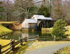 I used to live in Roanoke, #Virginia and have fond memories of driving down the Blue Ridge Parkway to Mabry Mill.  #boomer #travel