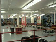 Le cafeteria dans l'ecole du Laney et Jhon.