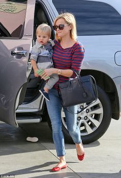 reese witherspoon + jeans