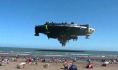 Огромный корабль НЛО до смерти напугал туристов на пляже во Флориде