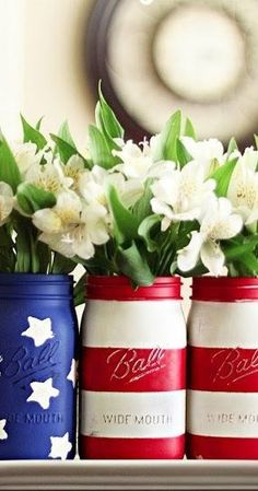 patriotic painted jars for the 4th of July