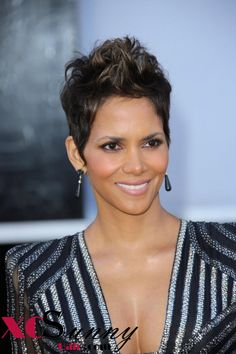 Best Short Hairstyle – Halle Berry Posted on 09/04/2013 by Helen
