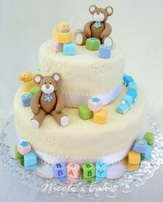 Teddy bears baby shower cake