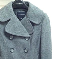 Banana Republic Peacoat Banana Republic grey wool peacoat in XS. In great condition--minor thinning around edges of sleeves and small area around the cuff (not noticeable unless close up). The thick wool fabric will keep you warm.  Flattering fit and a classic look that never goes out of style! Banana Republic Jackets & Coats Pea Coats
