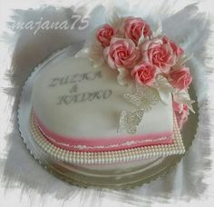 Cake heart Butterfly Cakes, Desserts, Roses, Heart, Tailgate Desserts, Deserts, Pink, Rose, Postres