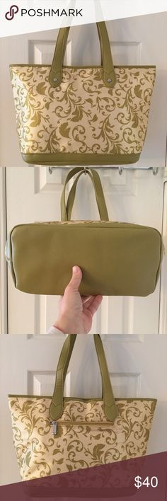🛍 Penelope Ann Green Cream Coated Tote Bag Mass posting.  Will add description shortly. Penelope Ann Bags Totes