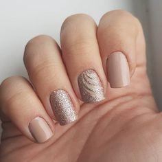 Domi Králiková (@domi_nailart) Spiral💅 #nailart #nailartideas #nailartist #nails2inspire #nailporn #nailpolish #nailterest #pinit #nudenails #nude #casual #like #nailartlover #glitternails #shinynails #gold #goldnails #luxurynails #naildesign #pinknails #winternails #mood #nailartmood #follow #follownails #nailartinspiration #nailartist #nailartideas
