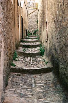 Ook alle vakanties naar Italië vind je op: luvotra.nl Vergelijk en selecteer gemakkelijk en snel. Luvotra maakt het zoeken en boeken van je vakantie weer leuk! #erice #sicilia #sicily