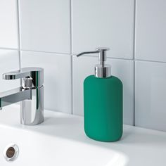 IKEA - EKOLN, Soap dispenser, dark gray, Easy to fill with your favorite soap. Combines with other products in EKOLN series. Wash Basin Accessories, Bathroom Accessories, Bathroom Soap Dispenser, Soap Dispensers, Dark Gray Bathroom, Ikea Usa, Recycling Facility, Green Soap, Polypropylene Plastic