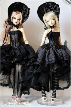 commission par Urszula Sieczek - True Dolls