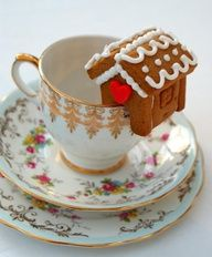 Gingerbread House Drink Garnish |Pinned from PinTo for iPad|