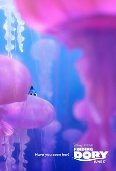 'Finding Dory' ratchets up the animation and character research. Pixar animators raise the stakes from 'Finding Nemo.' Find out how. Finding Dory Movie Poster, Dory Finding Nemo, New Movie Posters, Disney Posters, New Poster, Film Pixar, Pixar Movies, New Movies, Vintage Movies