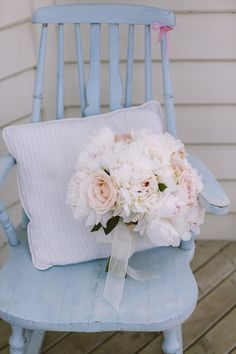 Ivory, pale pink and blush coloured wedding bouquet. Photography by www.mckinley-rodgers.com/index2.php#!/HOME
