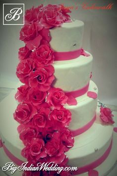 Jaya Kochhar beautiful floral wedding cake