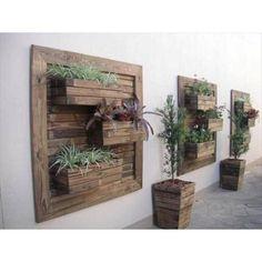 Geef je muur of schutting een unieke look met deze urban jungle panelen van hout. Vul de fruitkisten of fruitkistjes met plantjes of herbs! Ook voor moestuintje