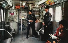 Cops in the train, the Bronx, NYC Subway, 1981 - by Martha Cooper USA Nyc Subway, New York Subway, Subway Art, Metro Subway, New York City, New York Street, Vintage New York, Hip Hop, Vintage Photographs