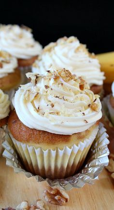 Banana Nut Cream Cheese Cupcakes