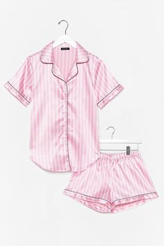 Contrast Binding Satin Striped PJ Set Check out this Contrast Binding Satin Striped PJ Set on Shein and explore more to meet your fashion needs! Cute Pajama Sets, Cute Pjs, Cute Pajamas, Pj Sets, Pijamas Victoria Secrets, Baby Christmas Pajamas, Night Outfits, Cute Outfits, Pijamas Women