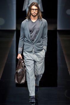 Giorgio Armani Spring 2017 Menswear Fashion Show Sharp Dressed Man, Well Dressed Men, Armani Men, Giorgio Armani, Emporio Armani, Twin Outfits, Cool Outfits, Fashion Show, Mens Fashion