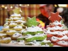 Cookie Christmas Trees: Cinnamon shortbread stack I VIDEO ========================= Recipe for Christmas and New Year Cake ========================= Click the web to view the video Christmas Tree Food, Christmas Fudge, Christmas Tree Cookies, Xmas Cookies, Xmas Food, Christmas Cupcakes, Christmas Sweets, Christmas Goodies, Christmas Baking