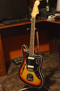 Fender thinline Jaguar, semi hollowbody, from Fender Japan