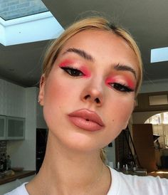 Went for a really subtle-natural-no make-up look at the moment. Sporting Huda Magnificence ne… Went for a really subtle-natural-no make-up look at the moment. Makeup Eye Looks, Cute Makeup, Pretty Makeup, Makeup Trends, Makeup Inspo, Eyeshadow Tips, Pink Eyeshadow, Pink Eyeliner, Eyeshadow Makeup