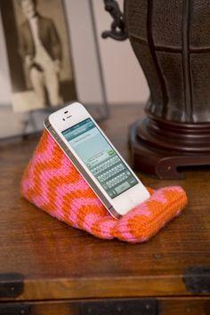 Knit Phone Holder | FaveCrafts.com