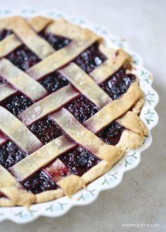 Homemade berry pie recipe