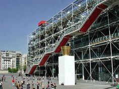 Centre Georges Pompidou (París). Dissenyat pels joves arquitectes Renzo Piano i Richard Rogers.