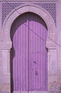 Perfect purple door and a lilac doorway Purple Door, Purple Haze, Shades Of Purple, Aqua Door, Periwinkle, Turquoise Door, Pastel Purple, Aqua Blue, Les Doors
