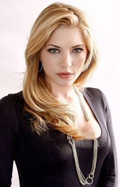 "The Hottest Pictures Of Katheryn Winnick (Lagertha Lothbrok) From The Hit Show ""Vikings"" Katheryn Winnick Vikings, Ontario, Lagertha Lothbrok, Beautiful Celebrities, Beautiful Women, Actrices Sexy, Celebrity Magazines, Famous Women, Belle Photo"
