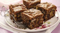 Perfekte herbstliche Kuchen-Kombination : Apfel-Walnuss-Kuchen | http://eatsmarter.de/rezepte/apfel-walnuss-kuchen