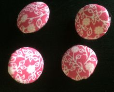 Romantic pink fabricbuttons - https://www.etsy.com/de/listing/594557961/stoffknopfe-pink-florales-muster?ref=shop_home_active_6 #stoffknöpfe#fabricbuttons#buttons#verschlüsse#pink#fabric#floral