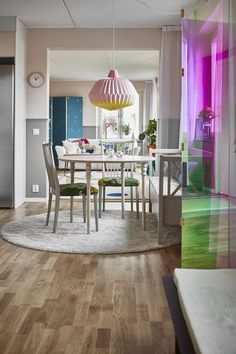 Jurnal de design interior: Accente pastelate într-un apartament de 87 m² din Suedia